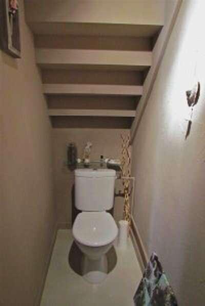 photo-decoration-déco-toilettes-sous-escalier-4
